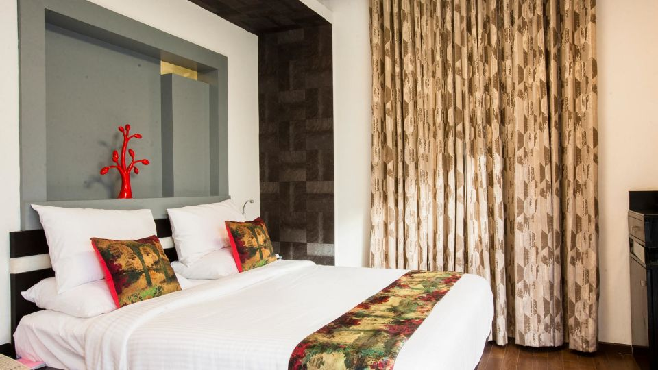 Valley View Rooms Rooms 2, Mango Hotels Purple Brigade, Rooms in Bangalore