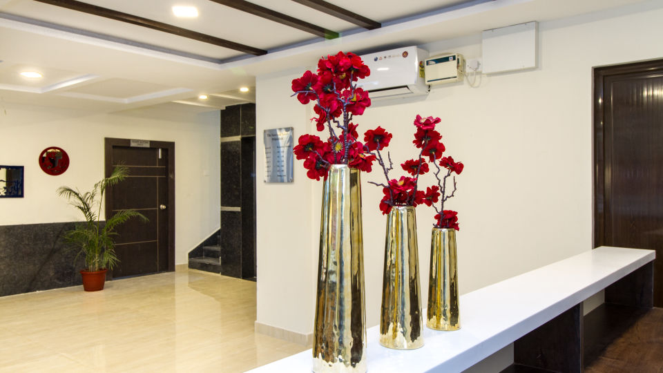 Reception and Lobby The Sanctum Suites in Whitefield 12