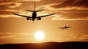 silhouette-of-airplanes-47044