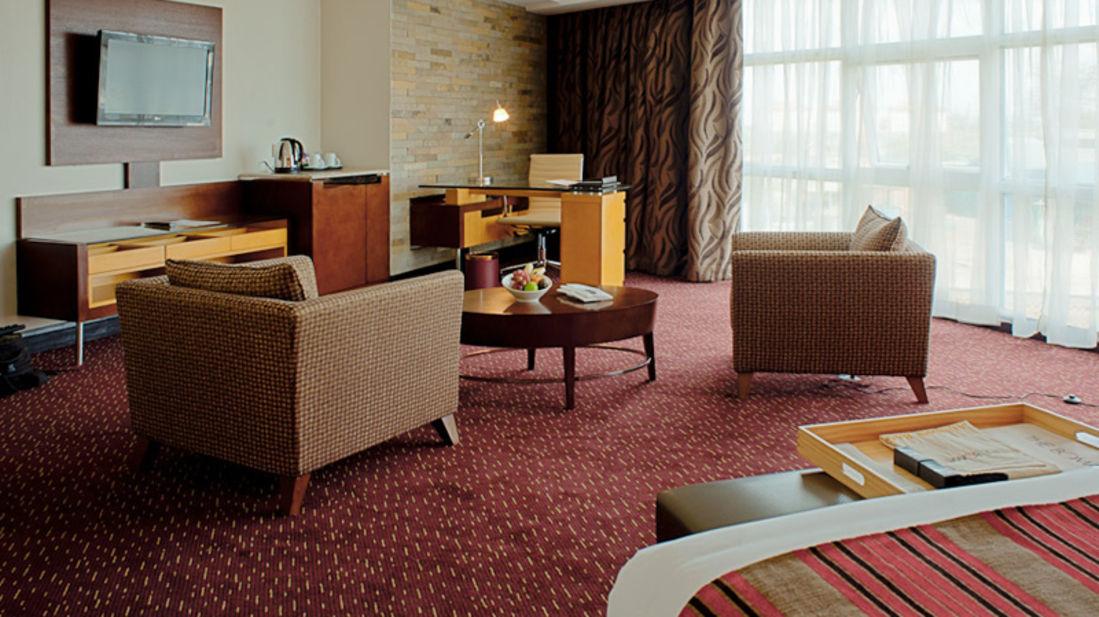 Executive Suite Lounge area