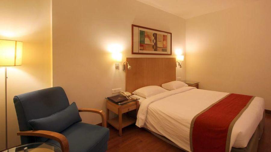 Taj Tri Star Hotel Deluxe Room 04