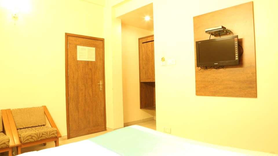 Hotel Ashiyana   Shivaji Nagar, Pune Pune Three-Bed Non-AC Rooms Hotel Ashiyana Shivaji Nagar Pune2
