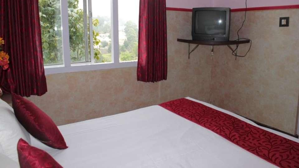 Jayaraj Residency, Kodaikanal  Deluxe Room Jayaraj Residency Kodaikanal 12