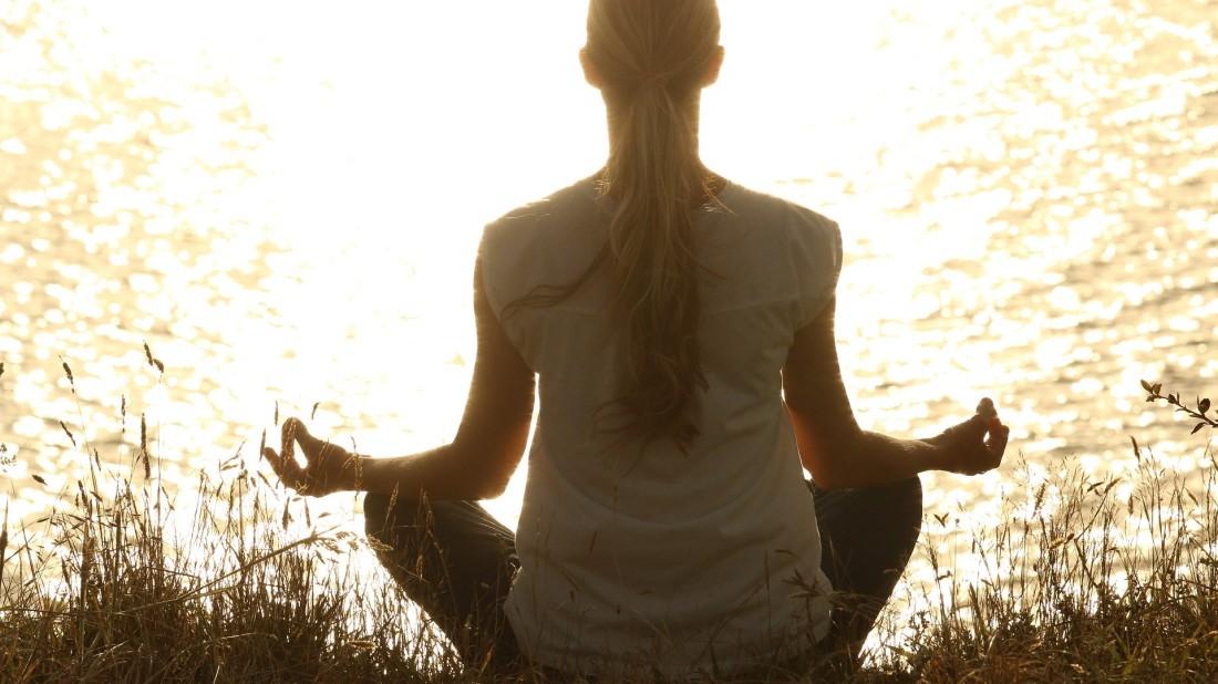 meditate-1851165 1920
