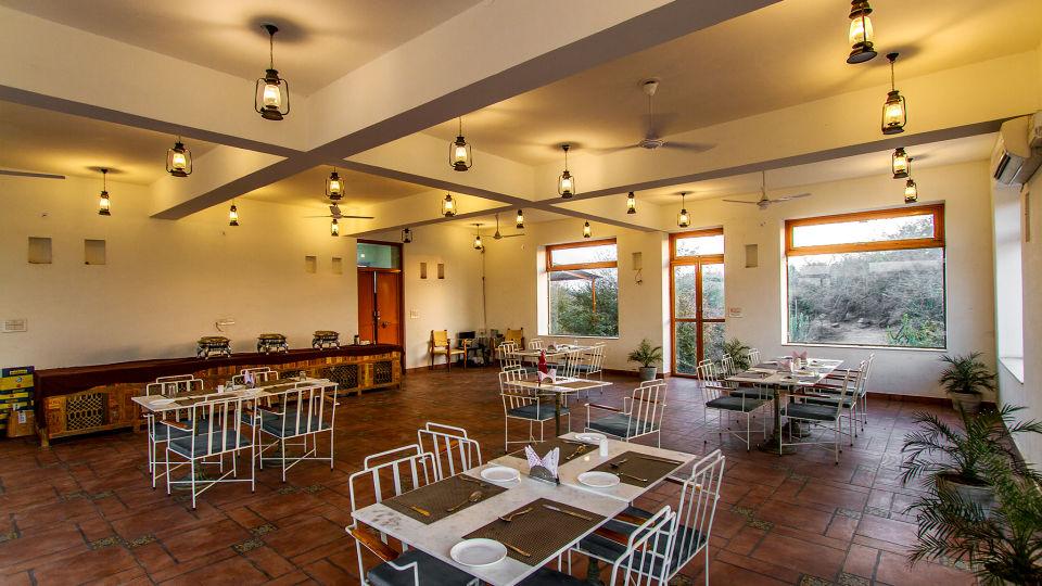 Dining in Jawai Bandh