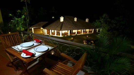 Multicuisine restaurant, wayanad restaurant, Abad Plaza MG Road
