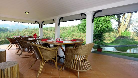 Multicuisine restaurant, wayanad restaurant, Abad Plaza MG Road 2