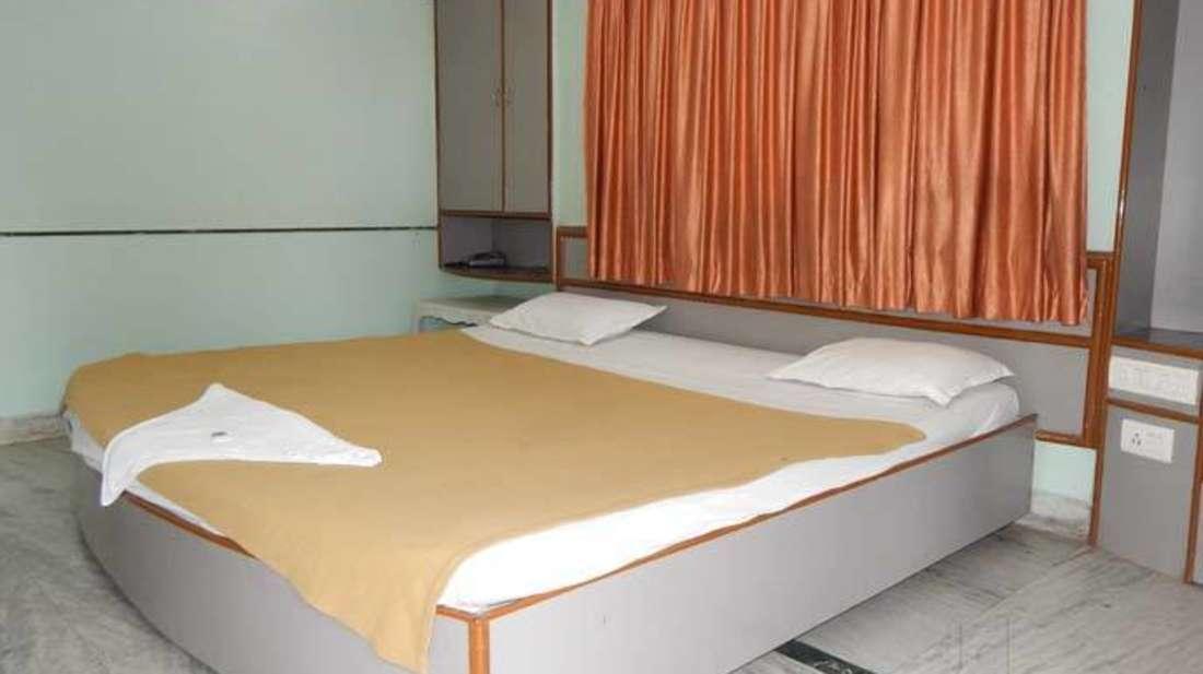 hotel-pushpak-resort Cottage Room