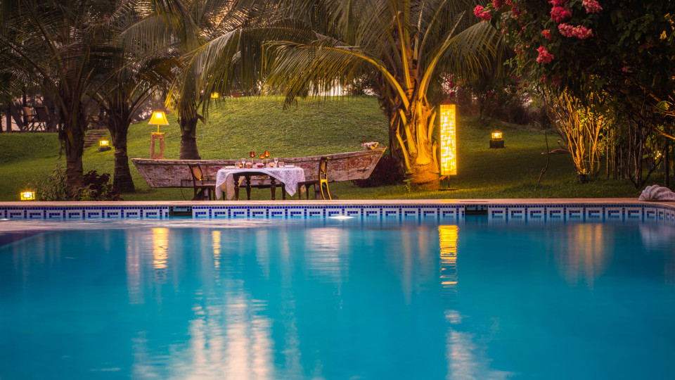 Poolside Dining, Hamsa Villas Goa, Best Resort In Goa 2
