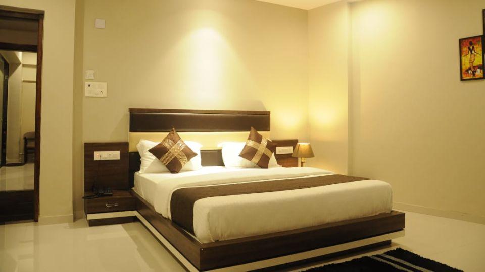 Deluxe Room VITS Aradana Bhavnagar Rooms in Bhavngar 3