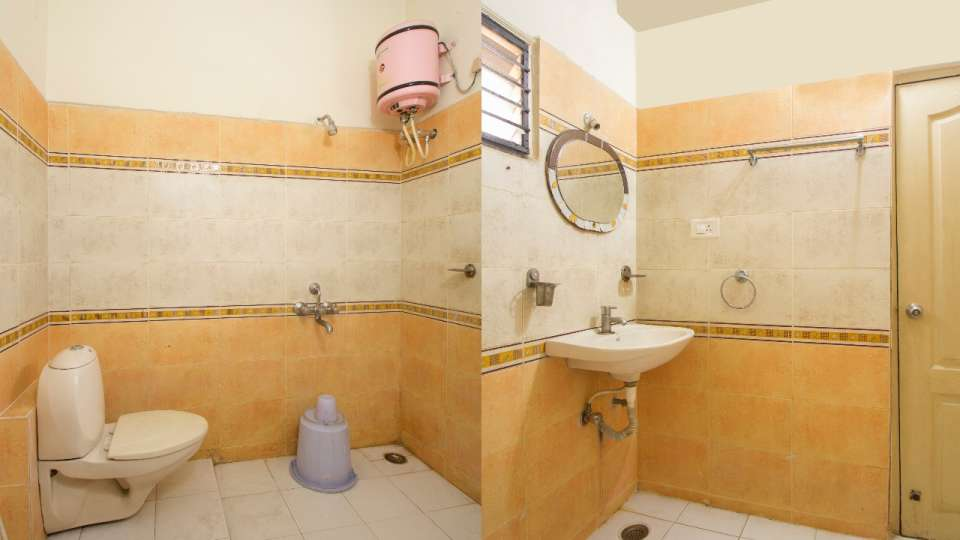 Bathroom at Hotel NirmalVilla Cherry Service Apartment - Begumpet Hyderabad