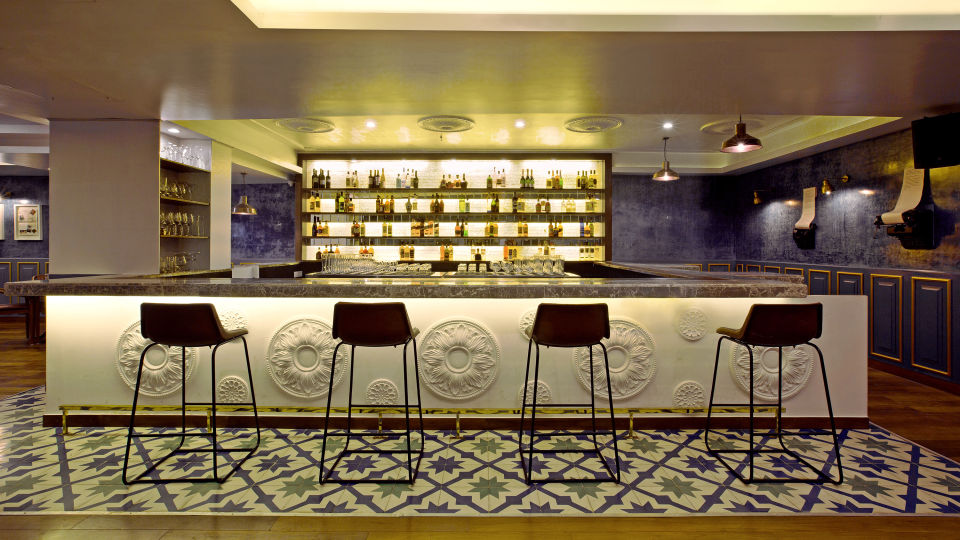 STB BAR front