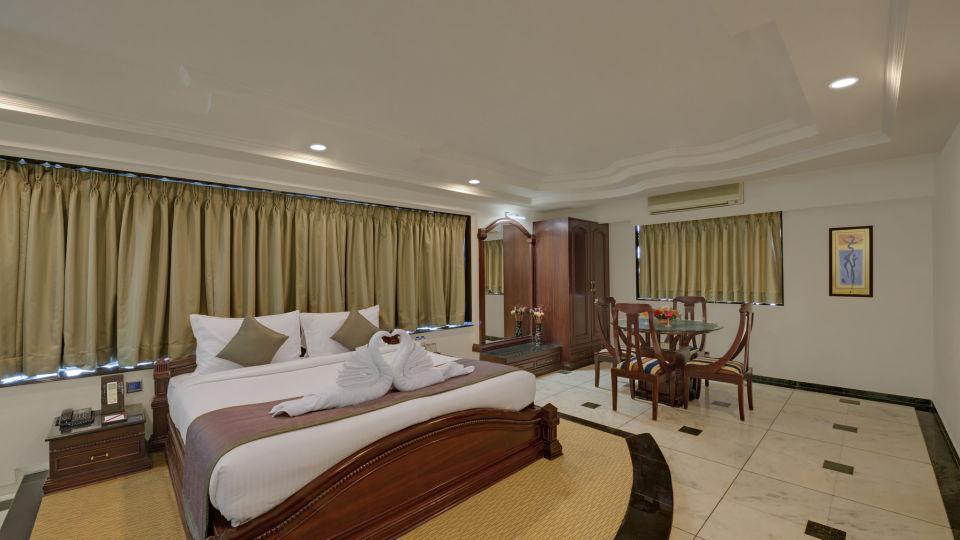 KK Beacon Hotel in RajkotRooms 2