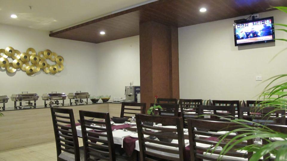 Aroma TGI Apple Inn Jaipur 3