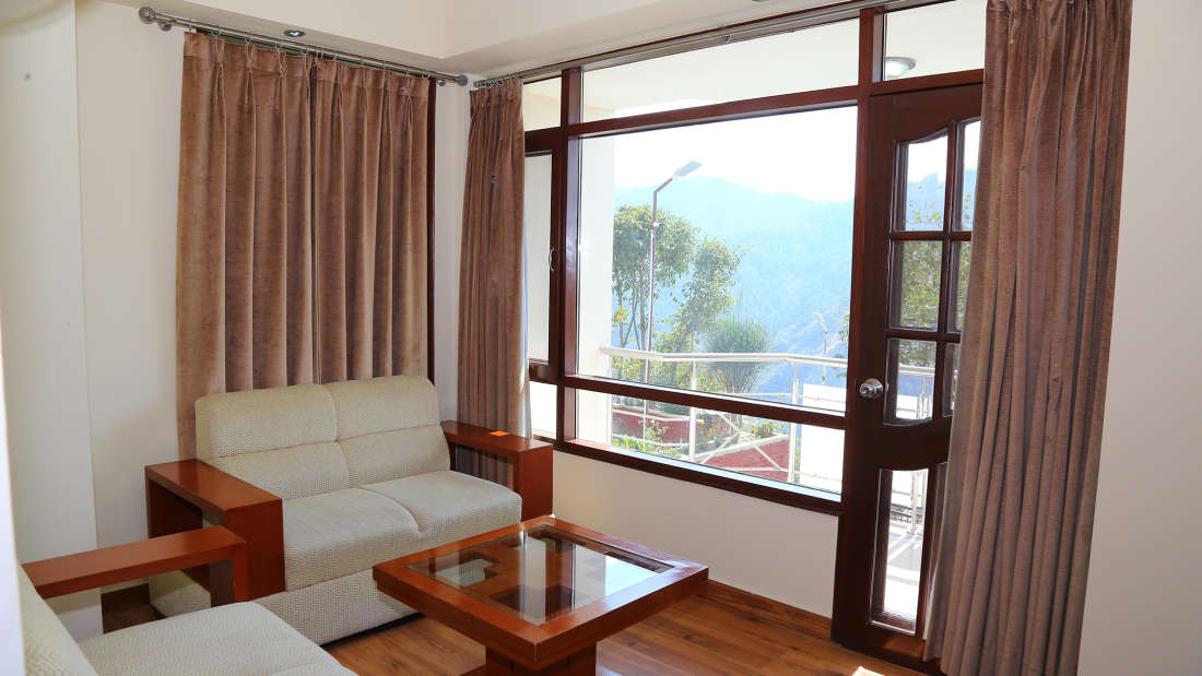 Manla Homes Shimla Hotel Resort Luxury Suite 2