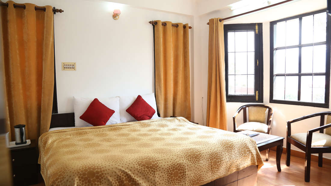 Manla Homes Shimla Hotel Resort Luxury Suite 5