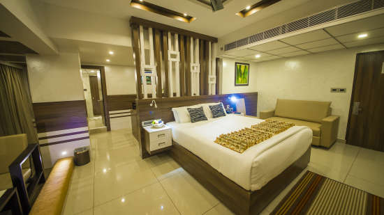 The Renai Cochin Hotel Resort Kerala Holidays Mini Suite 2