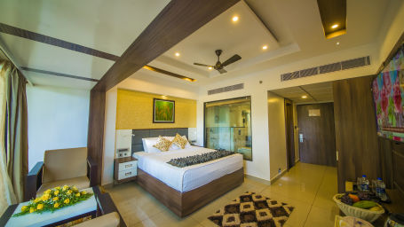 The Renai Cochin Hotel Resort Kerala Holidays Executive Club Room