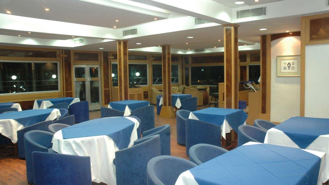 Compass Room at Floatel Kolkata, Banquets in Kolkata, Conferences in Kolkata 4