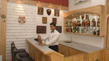 Bar in Kolkata, The Anchorage Bar in Floatel Kolkata, Hotel in Kolkata 5