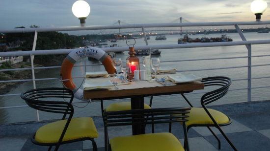 Restaurant in Kolkata  Polo Calcutta Boathouse Kolkata  The Bridge Restaurant 6