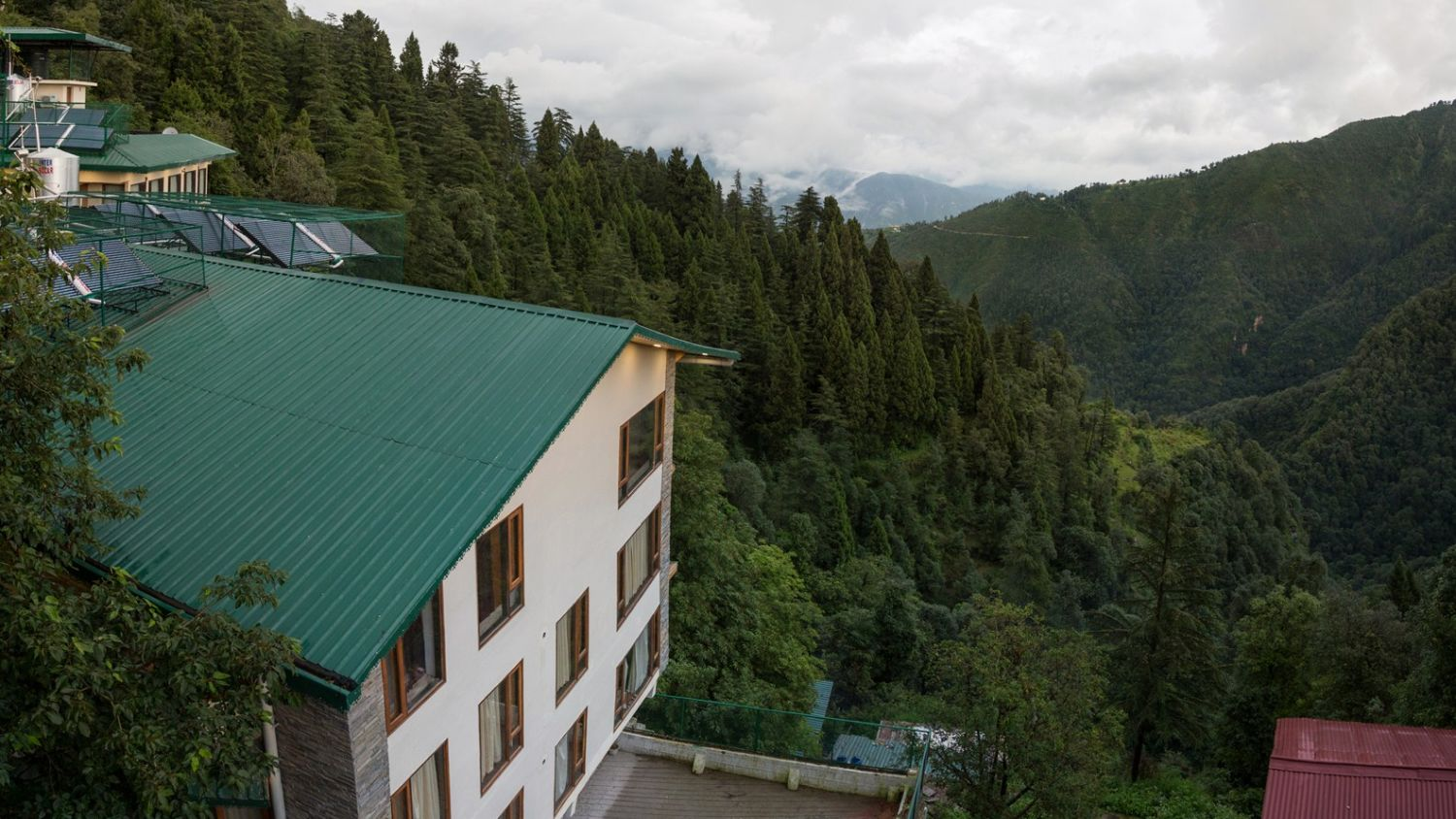 best hotels in Mussoorie on Mall road, Hotel near Mossy Falls, Hotel Pacific Mussoorie
