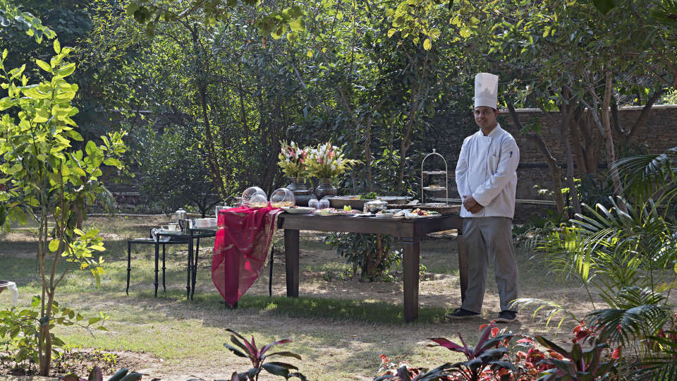 Dining in the Gardens 2
