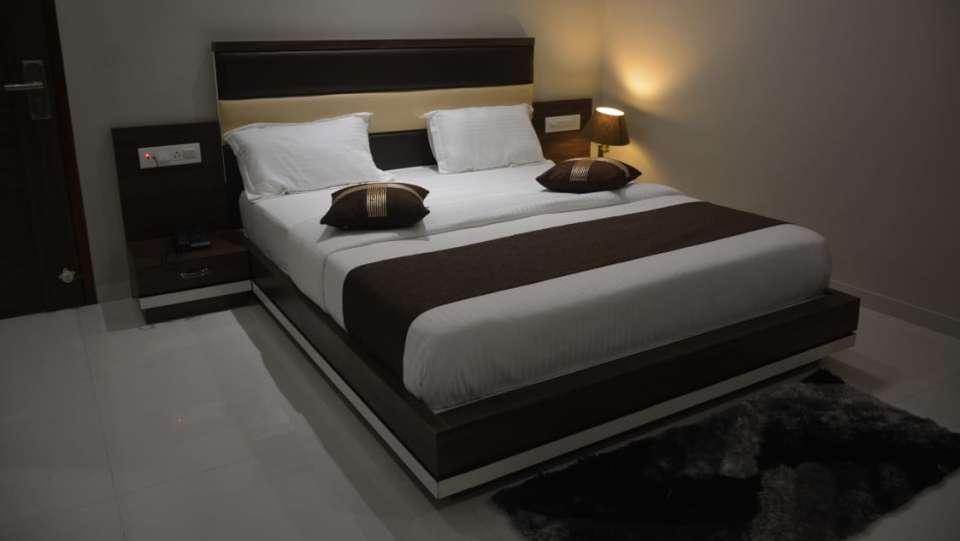 Deluxe Room VITS Aradana Bhavnagar Rooms in Bhavngar 2