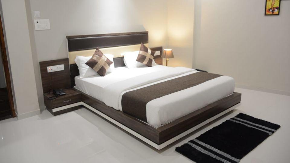 Deluxe Room VITS Aradana Bhavnagar Rooms in Bhavngar 1