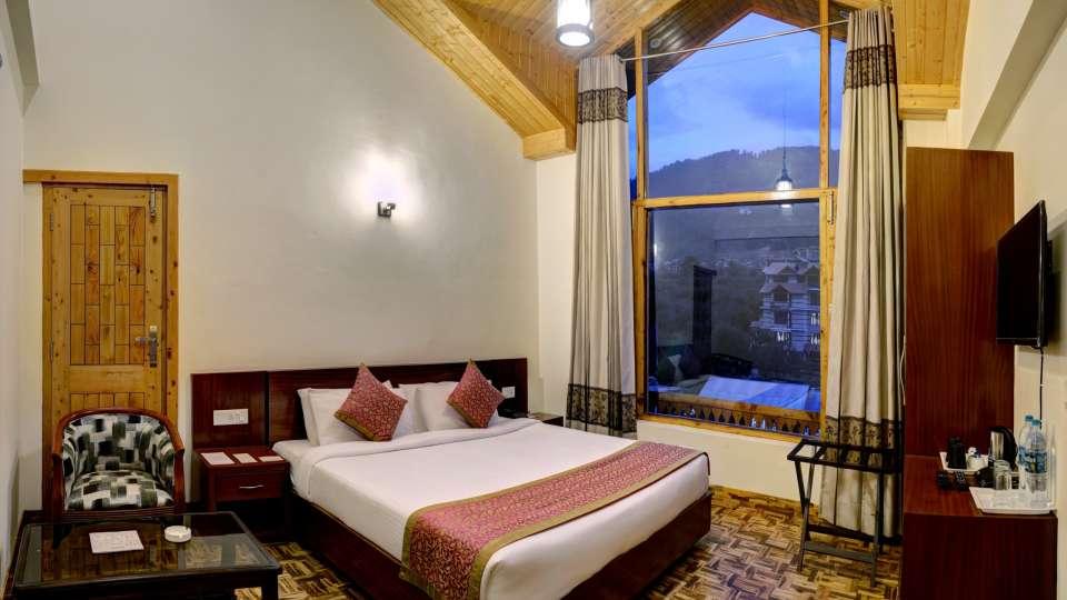 Deluxe Room at Summit Chandertal Regency Hotel Spa Manali 3