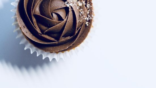 chocolate-cupcake-on-white-surface-1342324