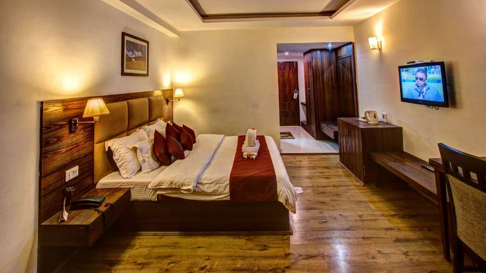 Sandhya Resort and Spa Manali Luxury Room Sandhya Resort and Spa Manali 5