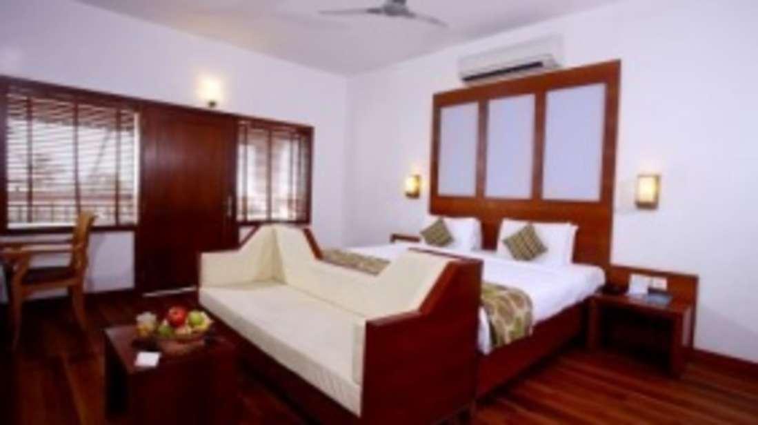 Arabian sea view rooms, Rooms near Kovalam Beach, Turtle on the beach, Annexe