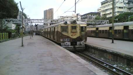 Hotel Dragonfly, Andheri, Mumbai Mumbai Train leaving Churchgate