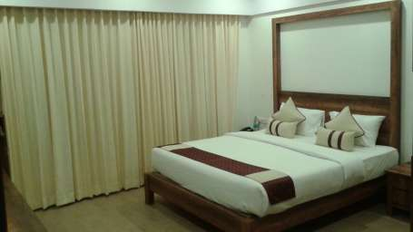 Sherwood Suites  Deluxe Room Sherwood Suites Hotel Thubrahalli Bangalore - Copy