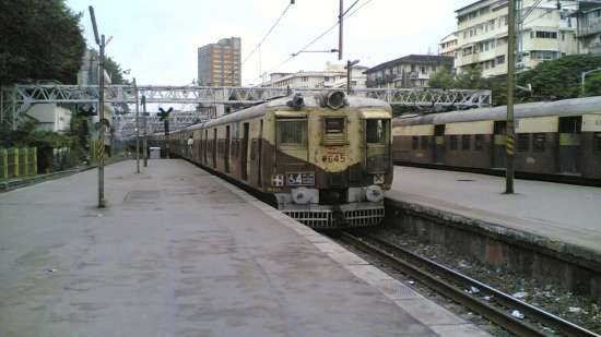 Dragonfly Apartments, Andheri, Mumbai Mumbai Train leaving Churchgate