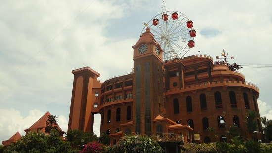 Hotel NM Royale County - Tripunithura, Kochi Kochi 1280px-Veegaland full view