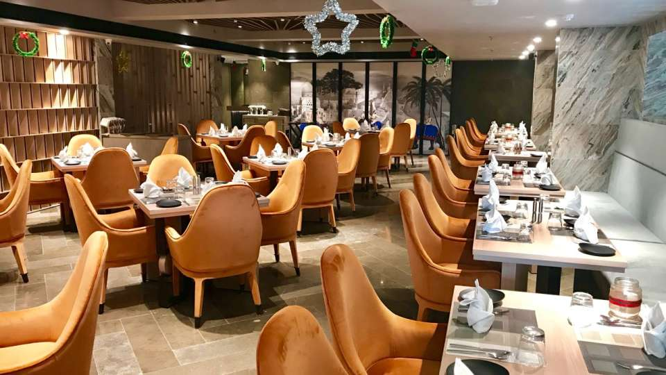 Restaurant in Lucknow, Levana Suites, Cosme 5