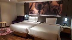 Deluxe suites bedroom2