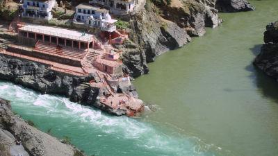 Devprayag near The Glasshouse by The Ganges in Rishikesh, hotel near Ganga river