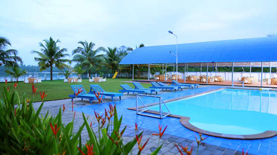 Renai Blue Waters Cherai Resort 11