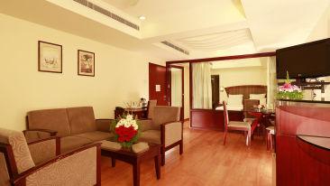 Renai Blue Waters Cherai Resort Suite