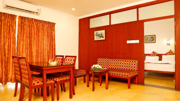Renai Green Fields Kumarakom Resort Suite Room