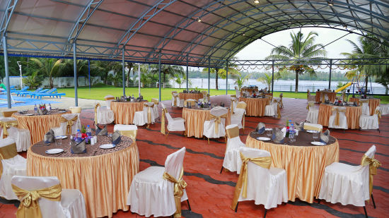 Renai Blue Waters Cherai Resort 8
