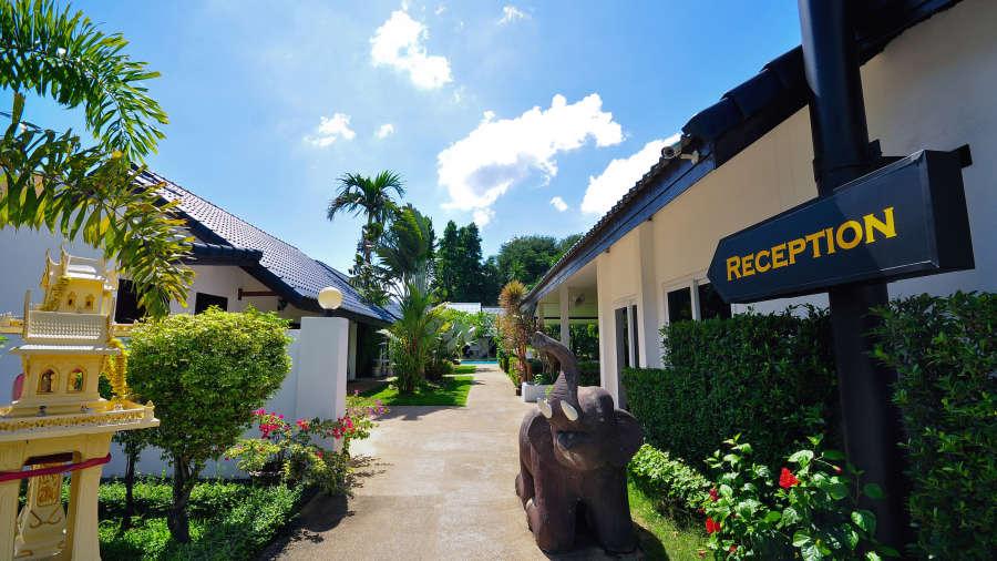 Phuket Airport Hotel Bangkok Walkway Phuket Airport Hotel 4