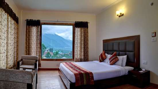 Deluxe Room at Summit Chandertal Regency Hotel Spa Manali 8
