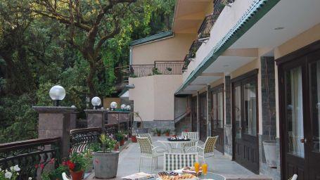 Sit out restaurant in Mussoorie, Multicuisine Restaurant in Mussoorie, Hotel Madhuban Sarovar Portico, Mussoorie