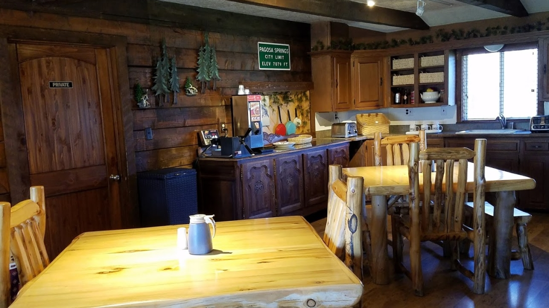 Lodging near Wold Creek, High Country Lodge and Cabins, Colorado 7