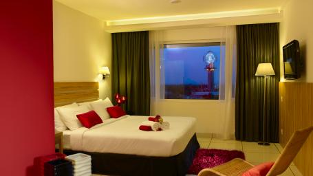 Bedroom with Skywheel
