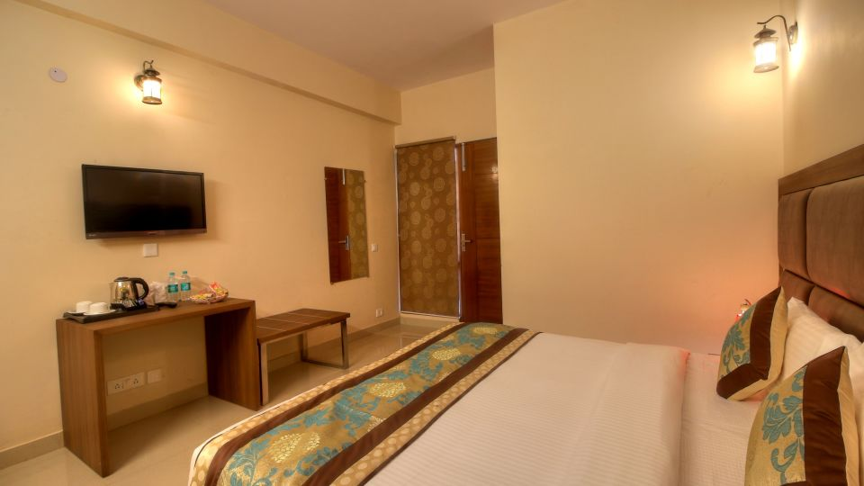 Best Suites in Greater noida, Luxurious Rooms in Greater noida, Atithi Suites, Greater noida
